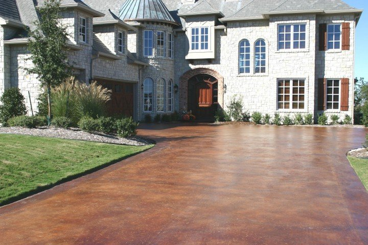 stained concrete driveway St Louis MO