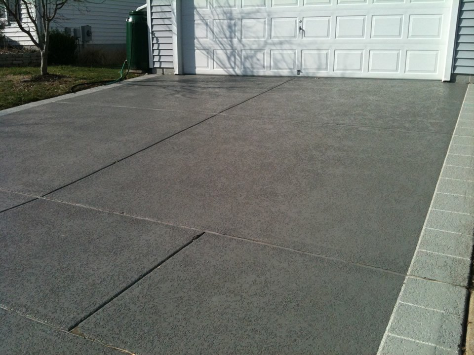 Driveway ideas decorative concrete resurfacing for Cement driveway ideas