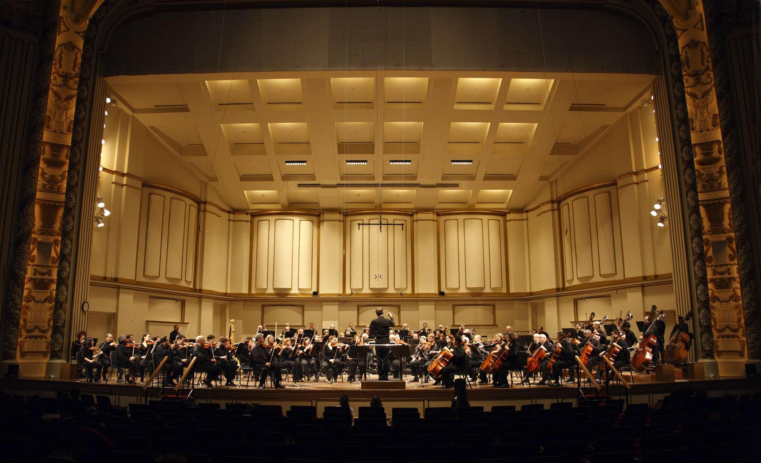 St. Louis Symphony Orchestra. Photo Credit: Scott Ferguson
